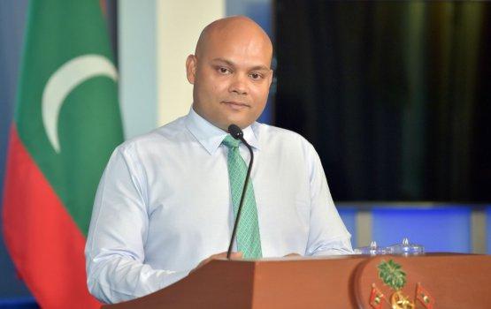 Raees officege Secretary, Foreign Relations ge magaamah Hoodh