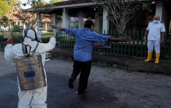 Curfew uvaalaanee aa gavaidhu thakaa eku: Lanka